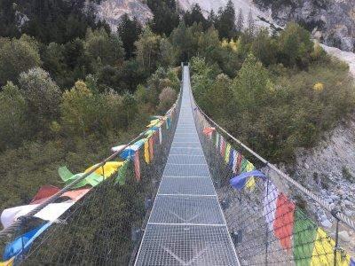 Bhutan-Hängebrücke-Front