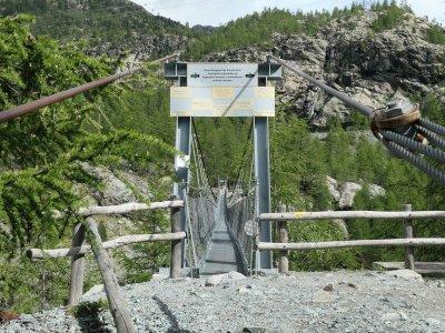 Furi-Hängebrücke