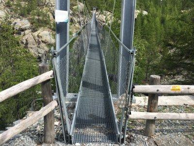 Furi-Hängebrücke-Ansicht