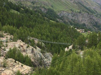 Hängebrücke-Furi-von-oben