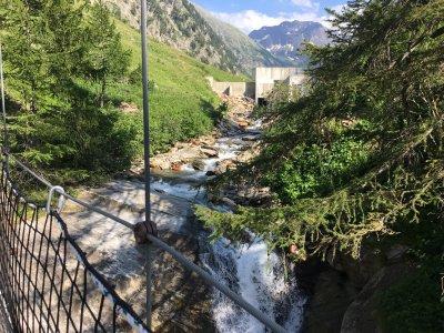 Kitthängebrücke-zwischen-Ulrichen-und-Nufenen