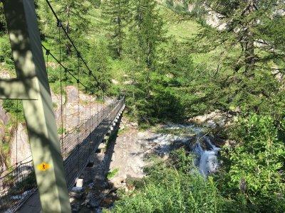 Nufenen-Hängebrücke