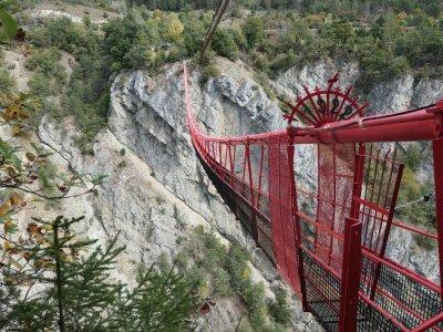 Hänbgebrücke-Wallis-Niouc